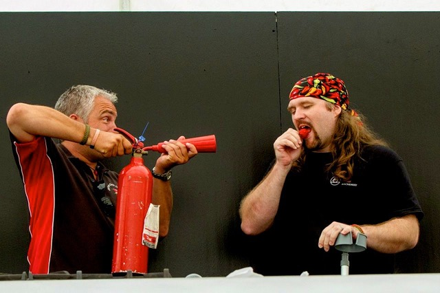 The jury of the hottest pepper eating competition is Dave an Jay from the Clifton Chilli Cluk from England -