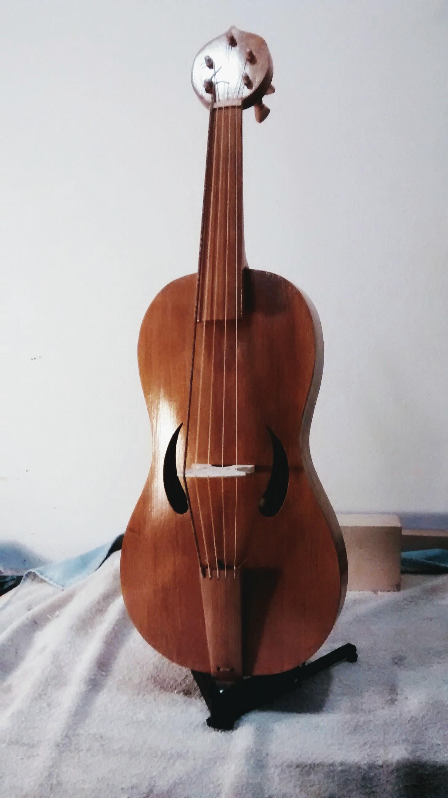 Large 5-string Medieval Fiddle  37 cm string length  €950