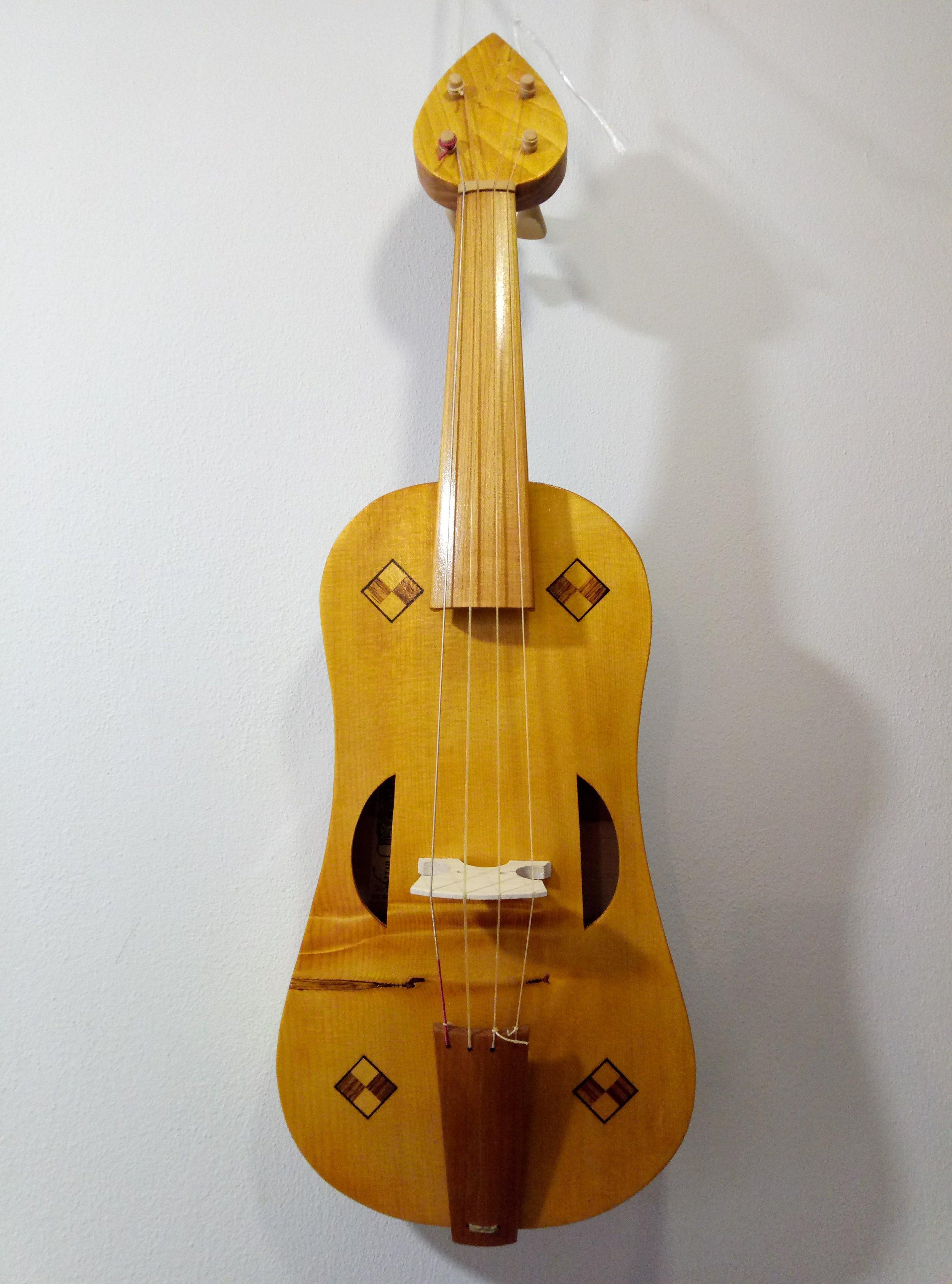 Medieval Fiddle  32.5 cm string length  €880