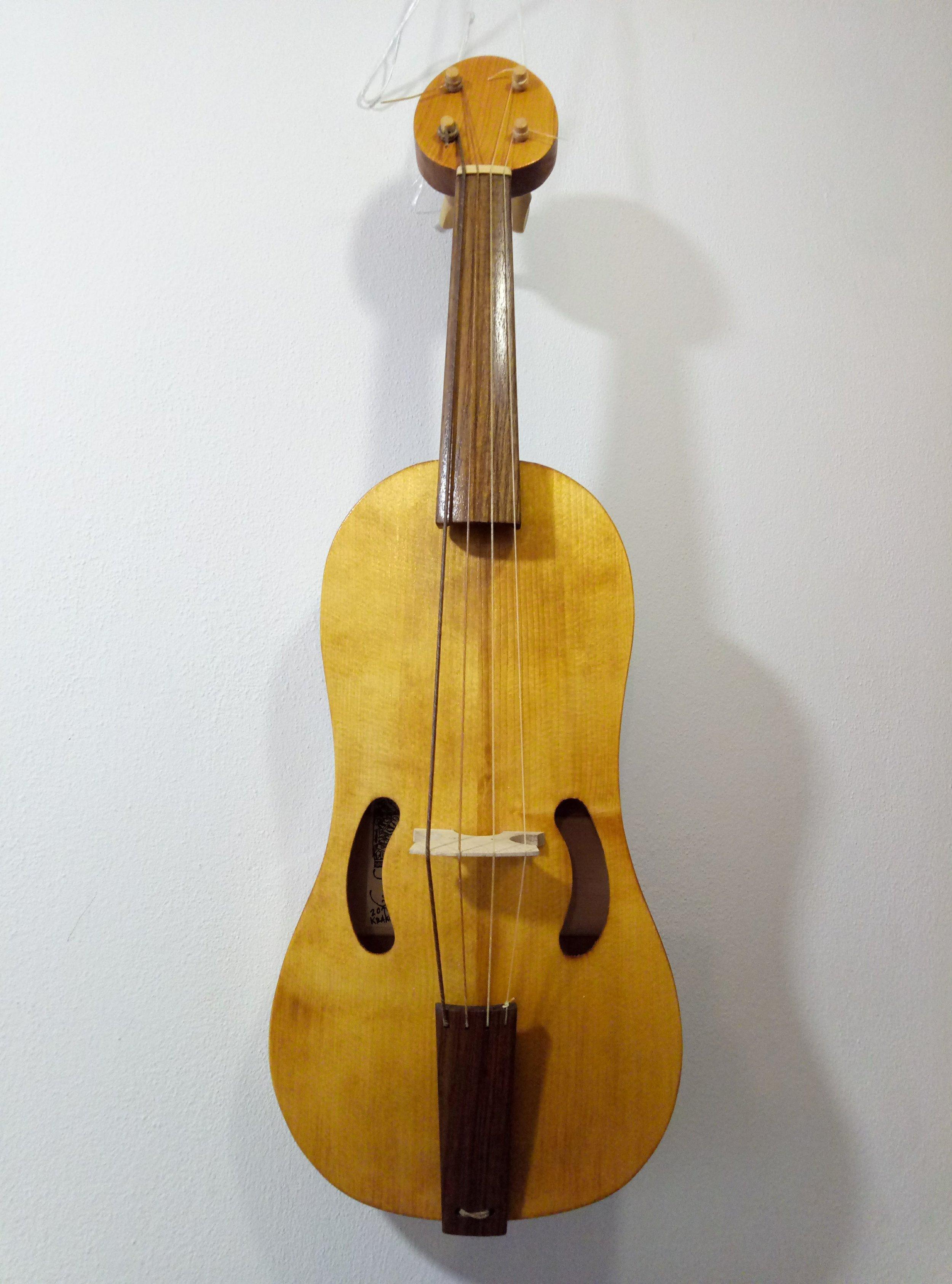 4-string Medieval Fiddle  32.5cm string length  €850