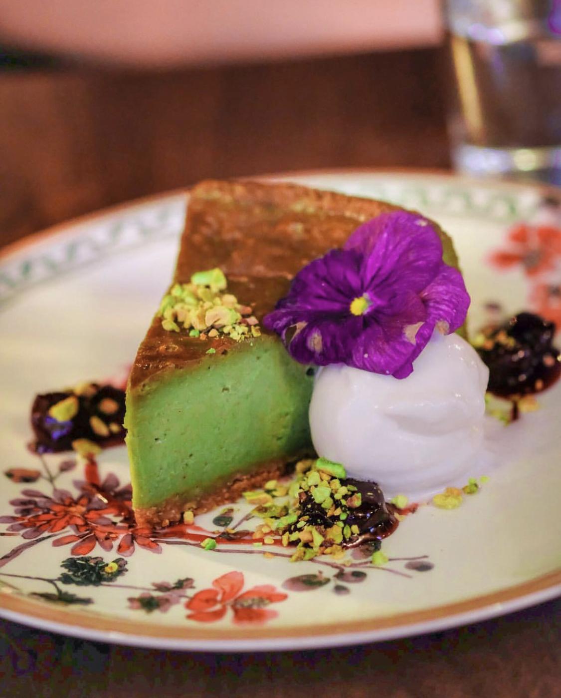 Vegan pistachio cheesecake