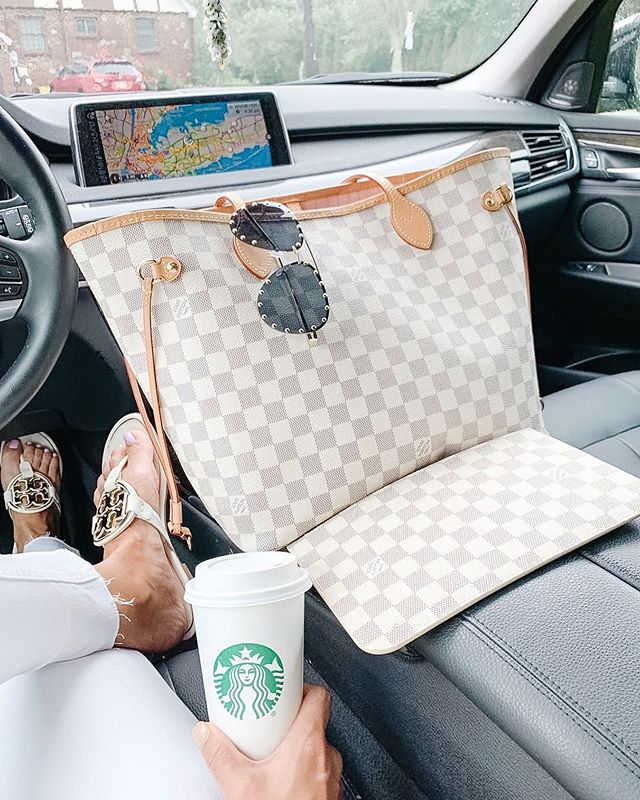 Happy Friday!  Don't miss your Last chance to win a fabulous Louis Vuitton Neverfull handbag or $1450 PayPal Cash.  Super quick and easy to enter, just Go to @bloggertribe_gifts original post for details. Good luck everyone! . This contest will end on Saturday 6/15 12 p.m. EST. . . . #lvneverfull #lvbag #lvlovers #neverfullmm #lvaddict #gifting #luxurygifts #lvoe #louisvuittonaddict #designerbags  #lvcommunity #lvmonogram #lvfriends #momentsofchic #musthavebags #fashionaddicts  #styletip #treatyourself #spotmystyle #lvaddicted #bloggertribegiveaways #bagstyle #ootddetails #realmomstyle #givingbacktothecommunity #howtowear #sahmlife #thatmomlife