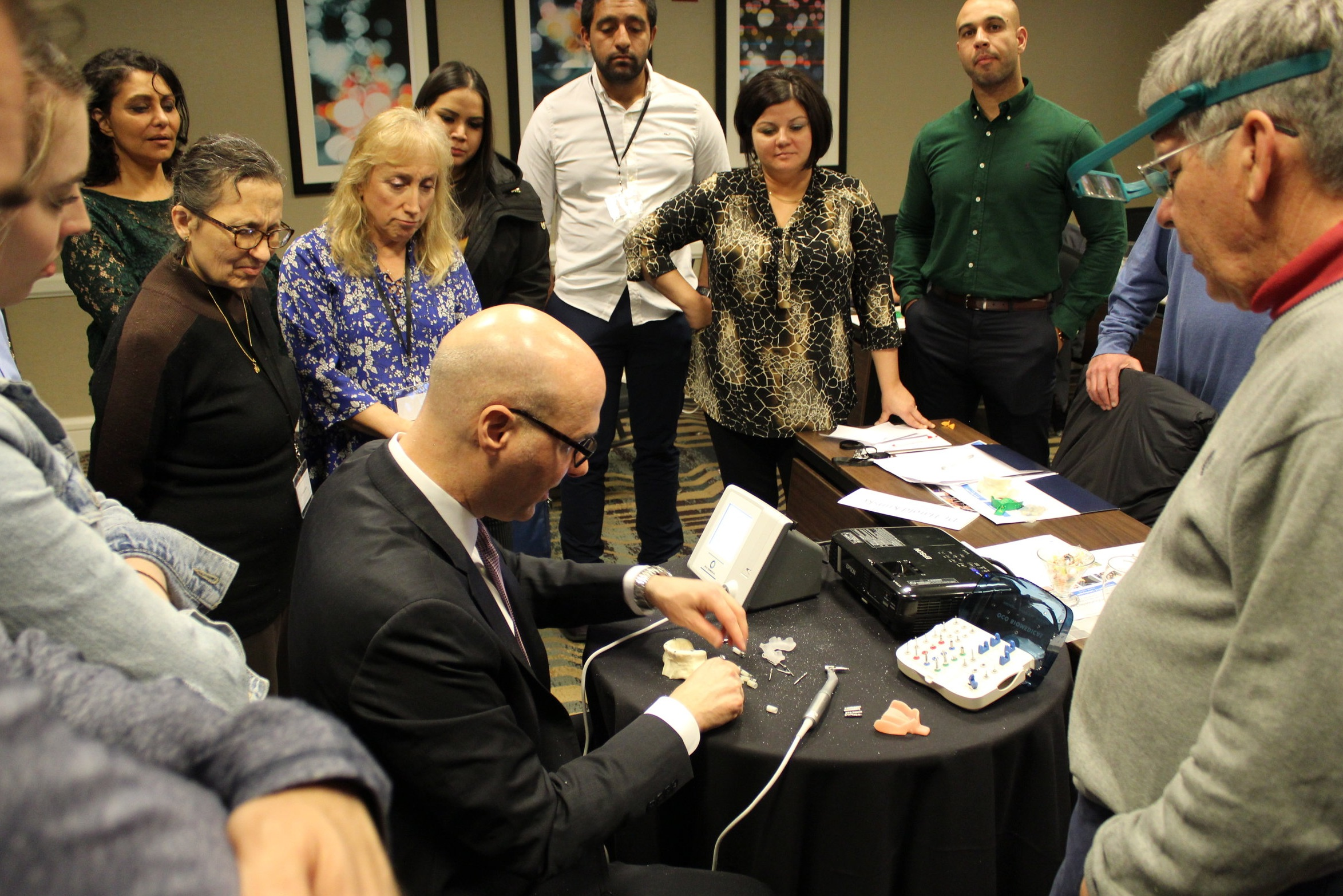 Dr. Nazarian demonstrating the hands-on portion at Module 3 Simplifying Full-Mouth Implant Reconstruction with Guided Surgery