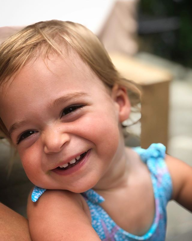Summertime smile☀️ Summertime serious 💕 Those teeth tho 😏 #littlegirllulu