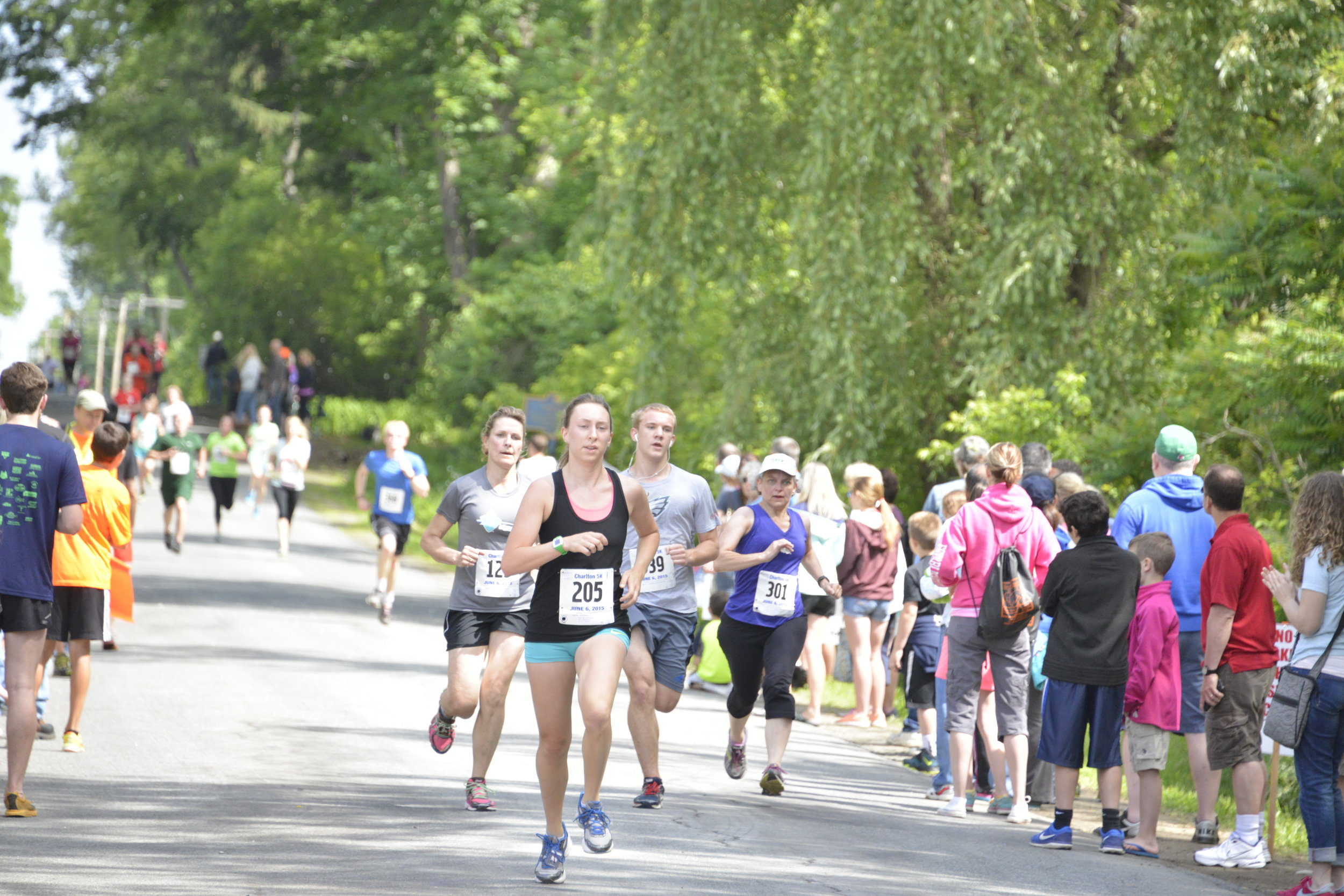 Pack Runners down the stretch.JPG