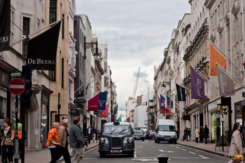 Bond Street Languages_around_Bond Street