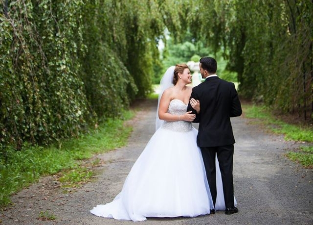 newly wed couple, wedding photography by photographer Maggie Yurachek