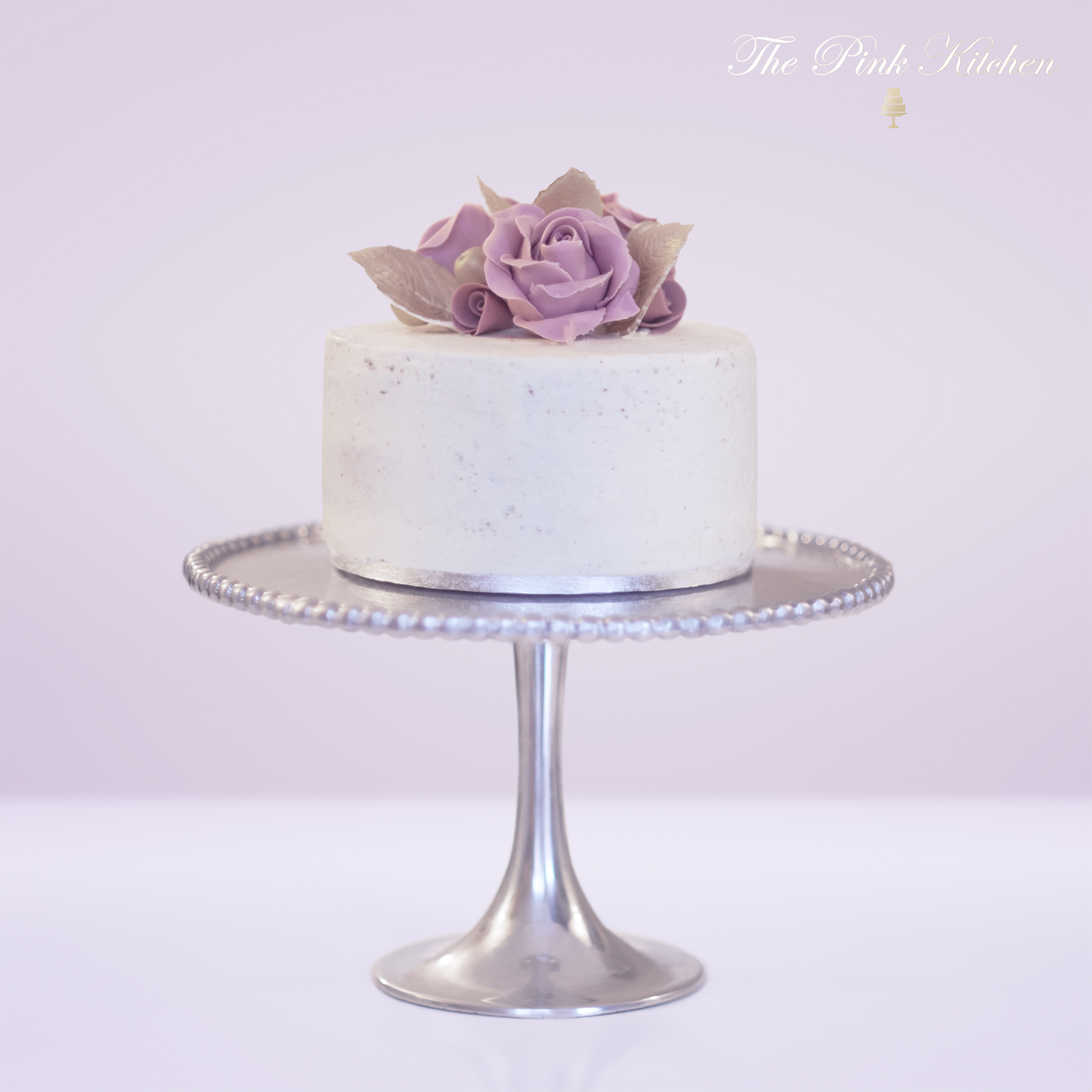 VANILLA AND ROSES CAKE