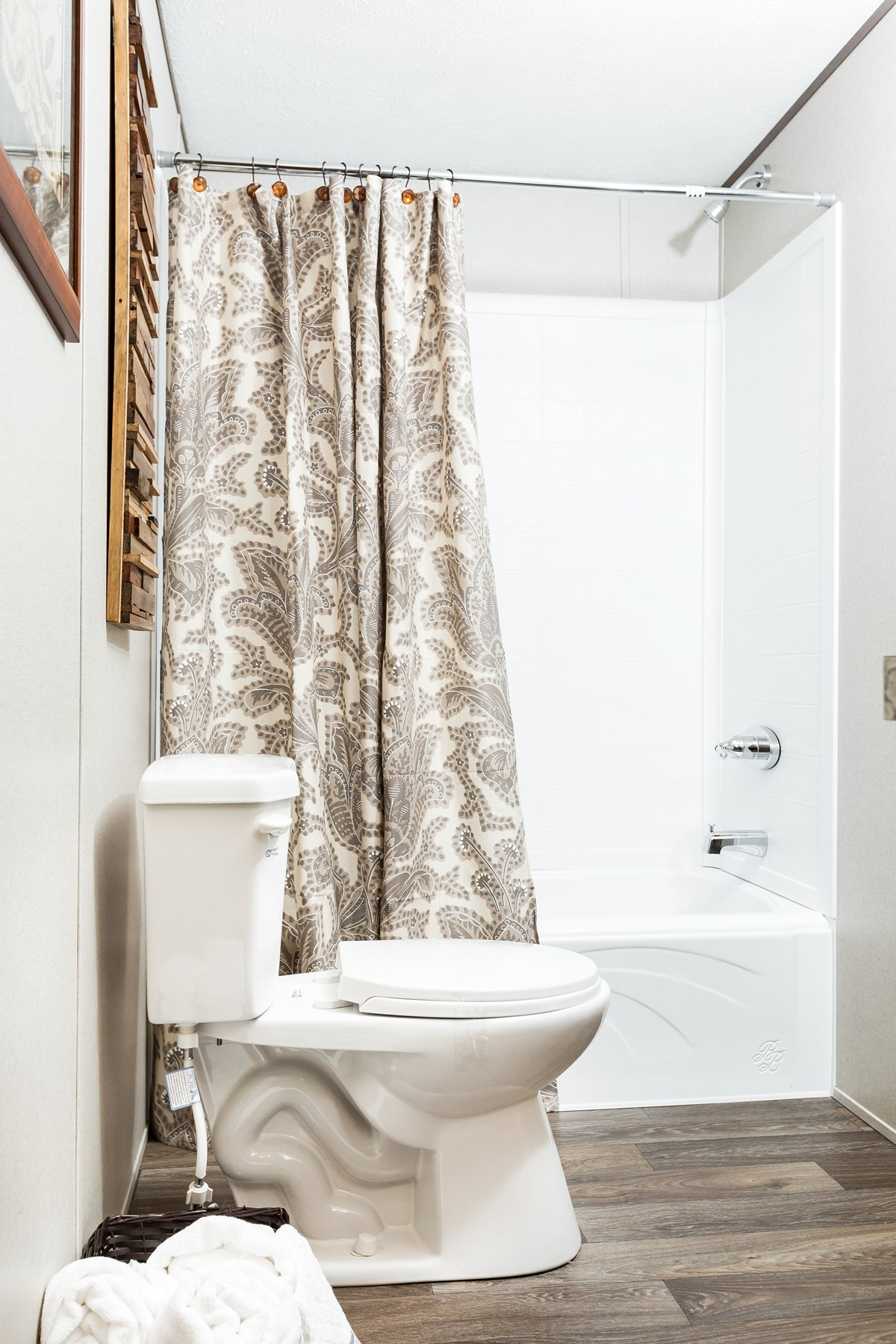 Manufactured-EXHILARATION-36TRU14763AH-Master-Bathroom-20180516-0909537991796.jpg