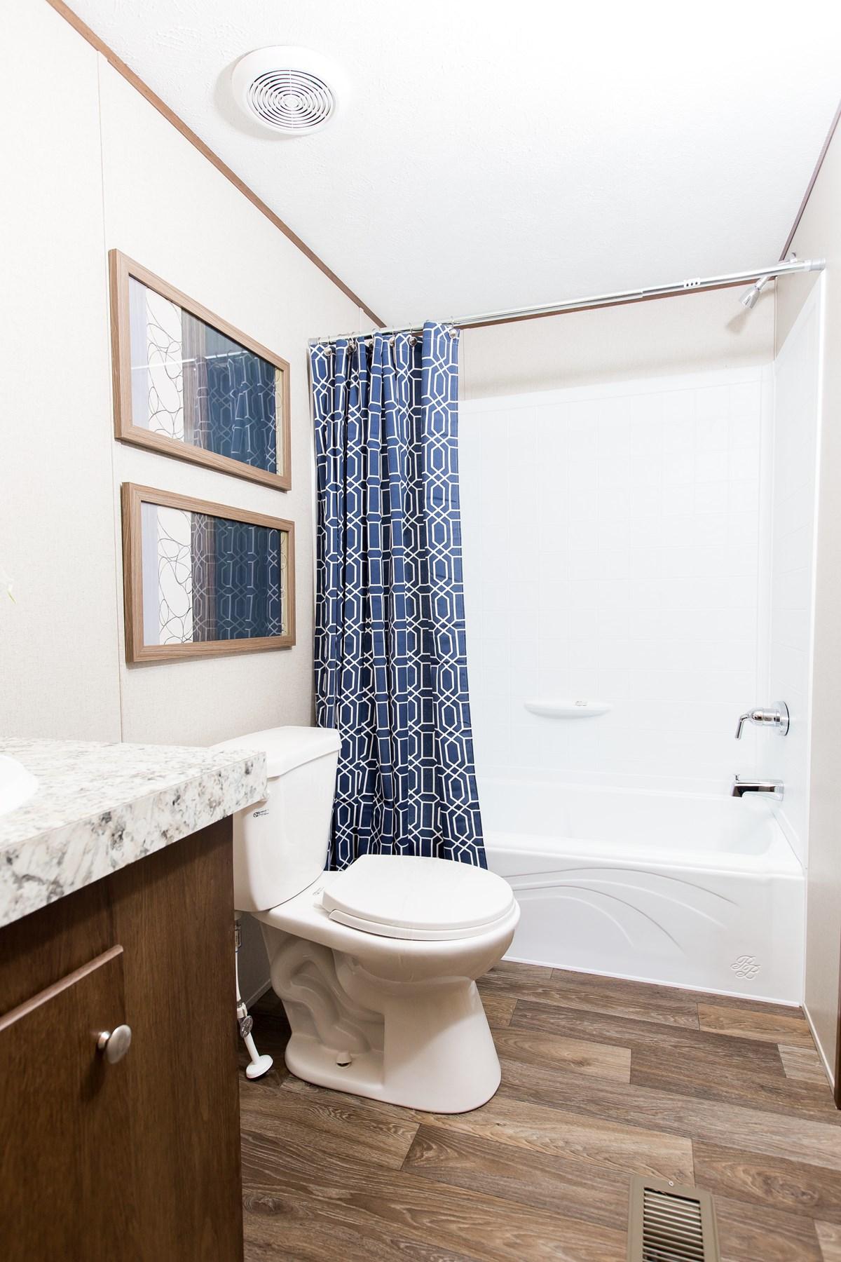 Manufactured-GLORY-47TRU14763BH-Guest-Bathroom-20180516-0915580487247.jpg