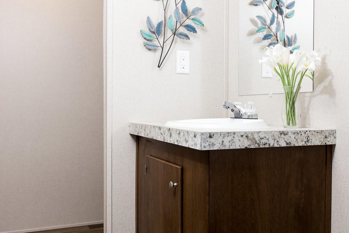 Manufactured-GLORY-47TRU14763BH-Master-Bathroom-20180516-0916016425281.jpg