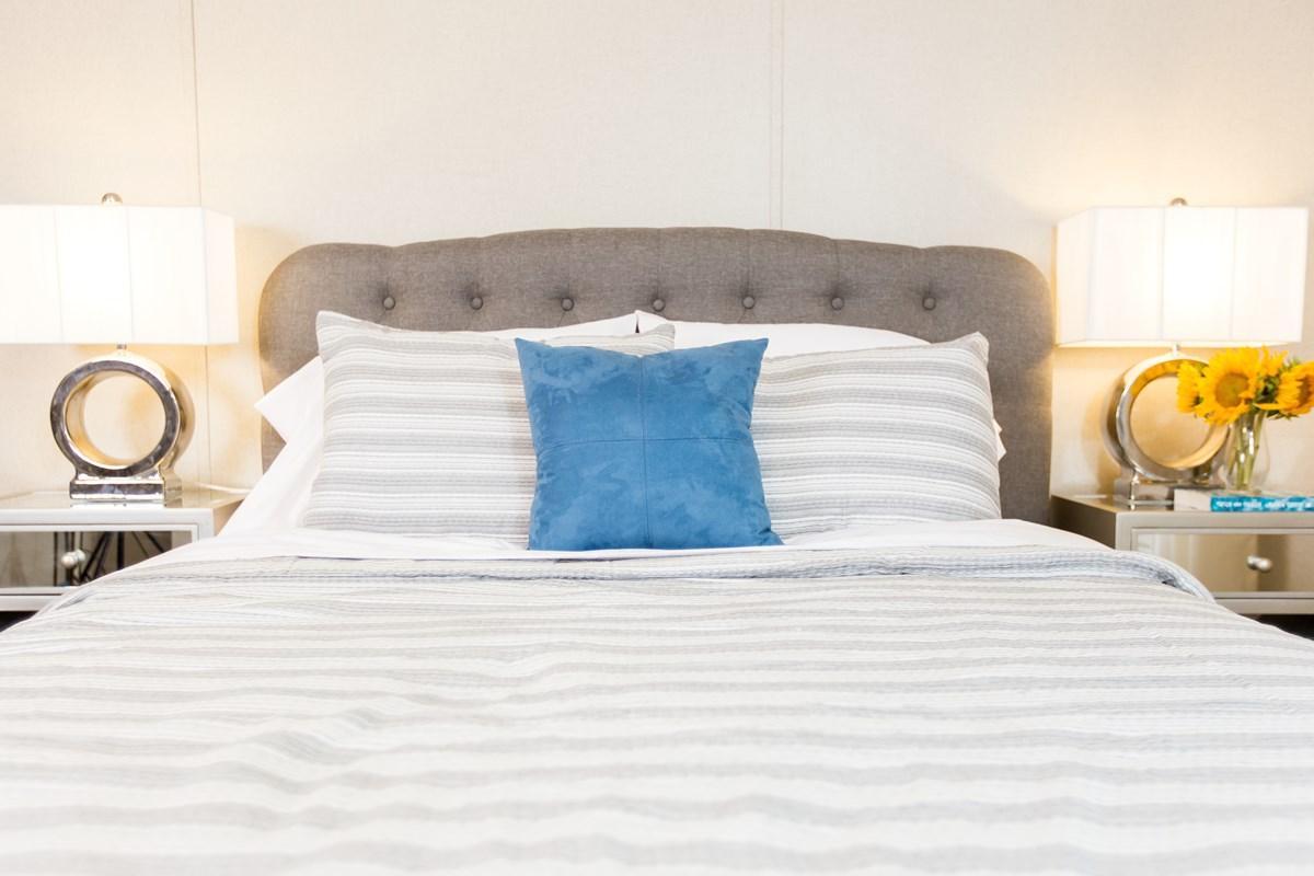 Manufactured-GLORY-47TRU14763BH-Master-Bedroom-20180516-0916020175245.jpg