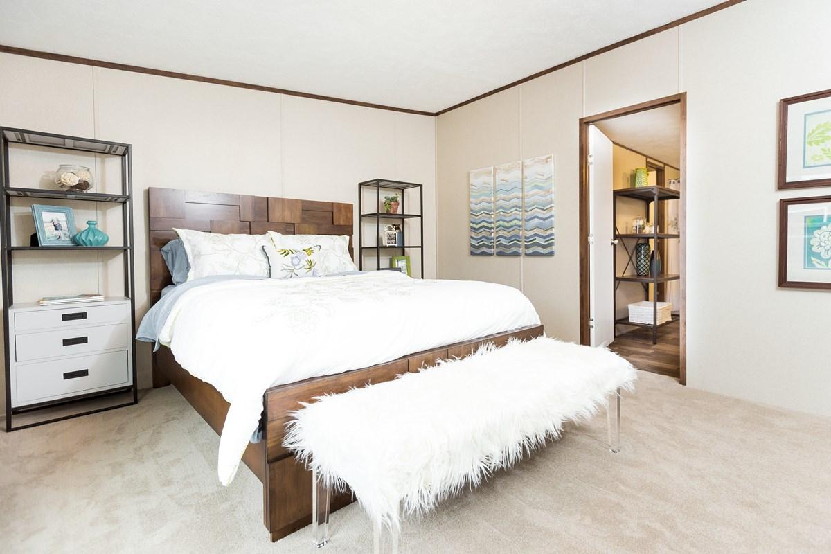 Manufactured-THRILL-21TRU28563RH-Master-Bedroom-20170323-1523222868707.jpg