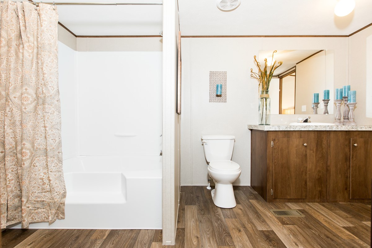 Manufactured-MARVEL-36TRU28564AH-Master-Bathroom-20170323-1434102889292.jpg
