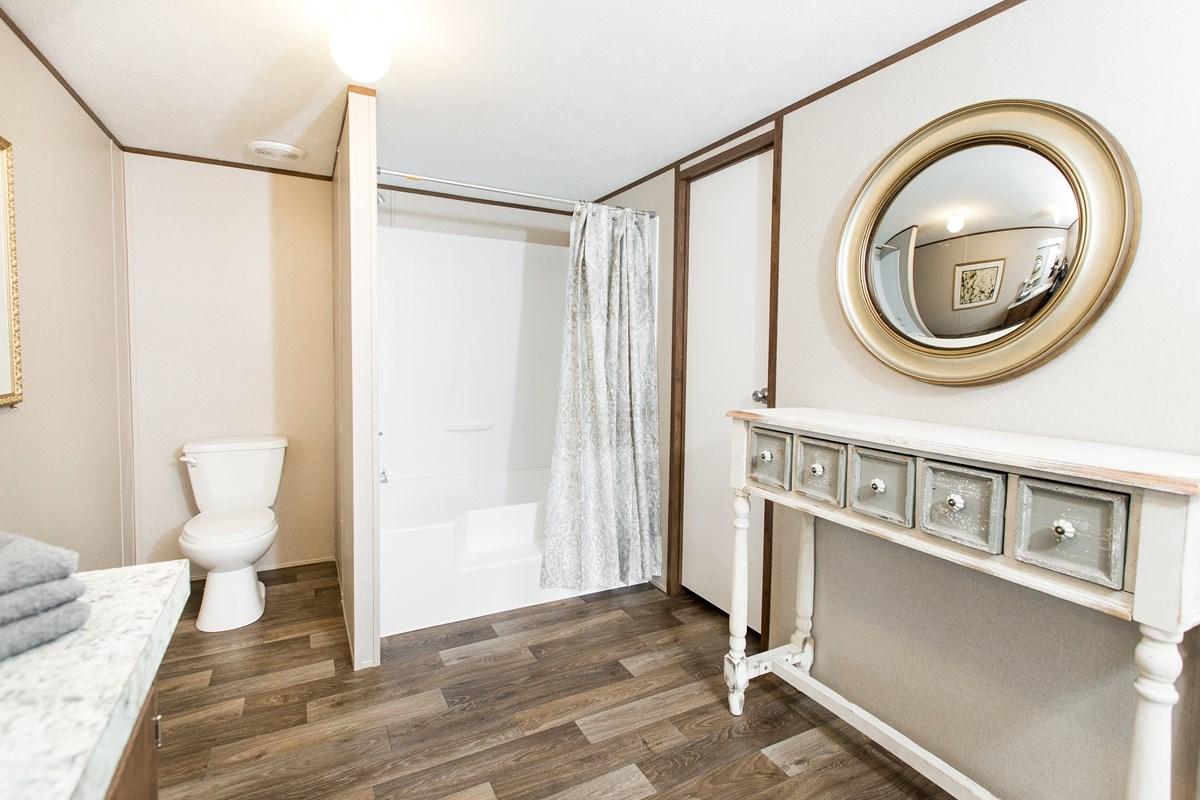 Manufactured-PRIDE-36TRU28684RH-Master-Bathroom-20170323-1415442890905.jpg