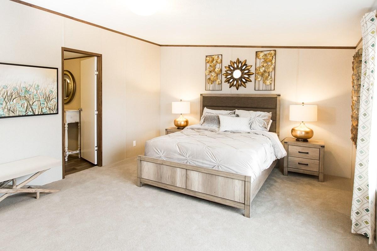 Manufactured-PRIDE-36TRU28684RH-Master-Bedroom-20170323-1415519757270.jpg