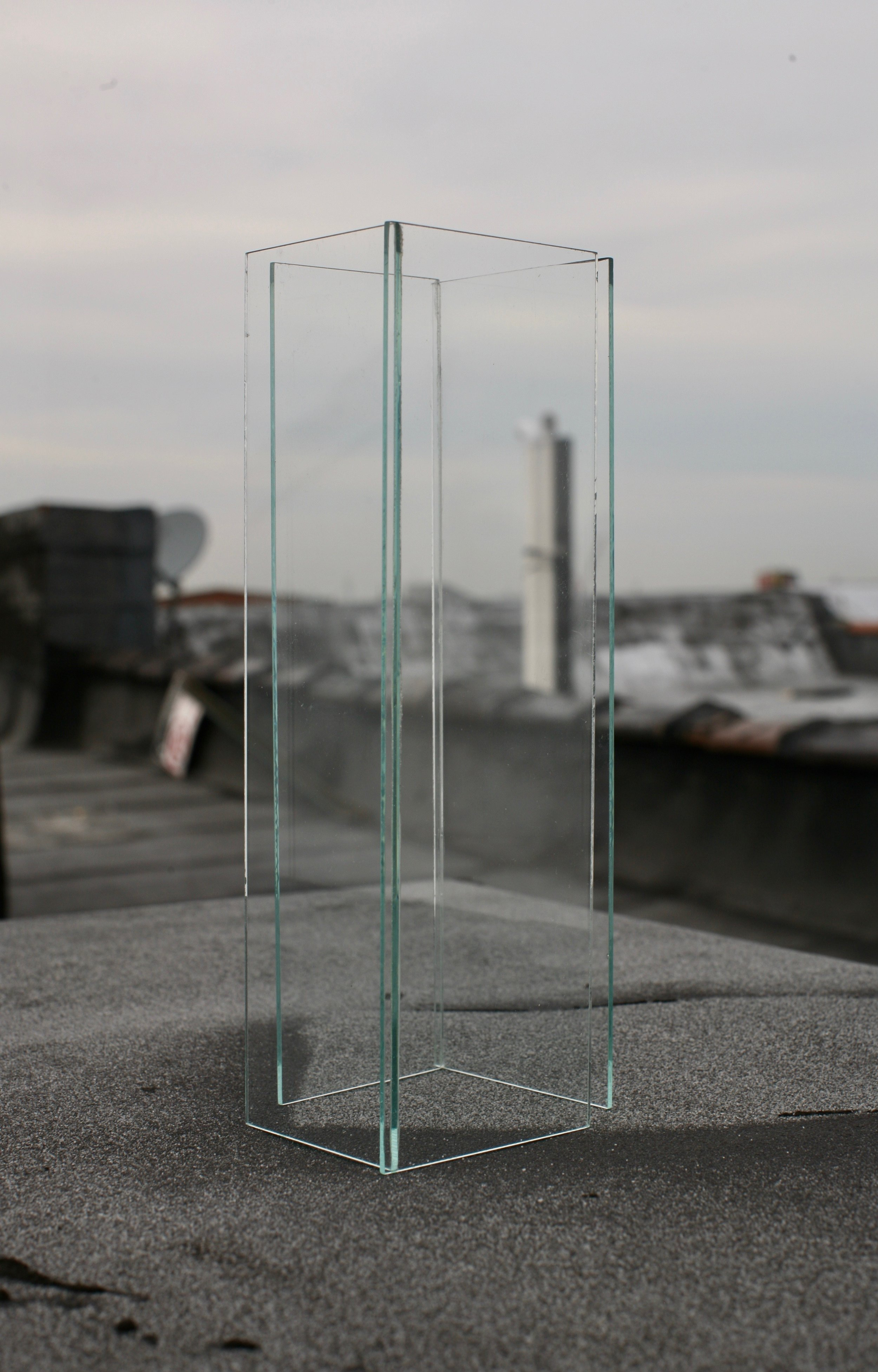 STUDIO IV  Two pieces of glass close to each other. 2016