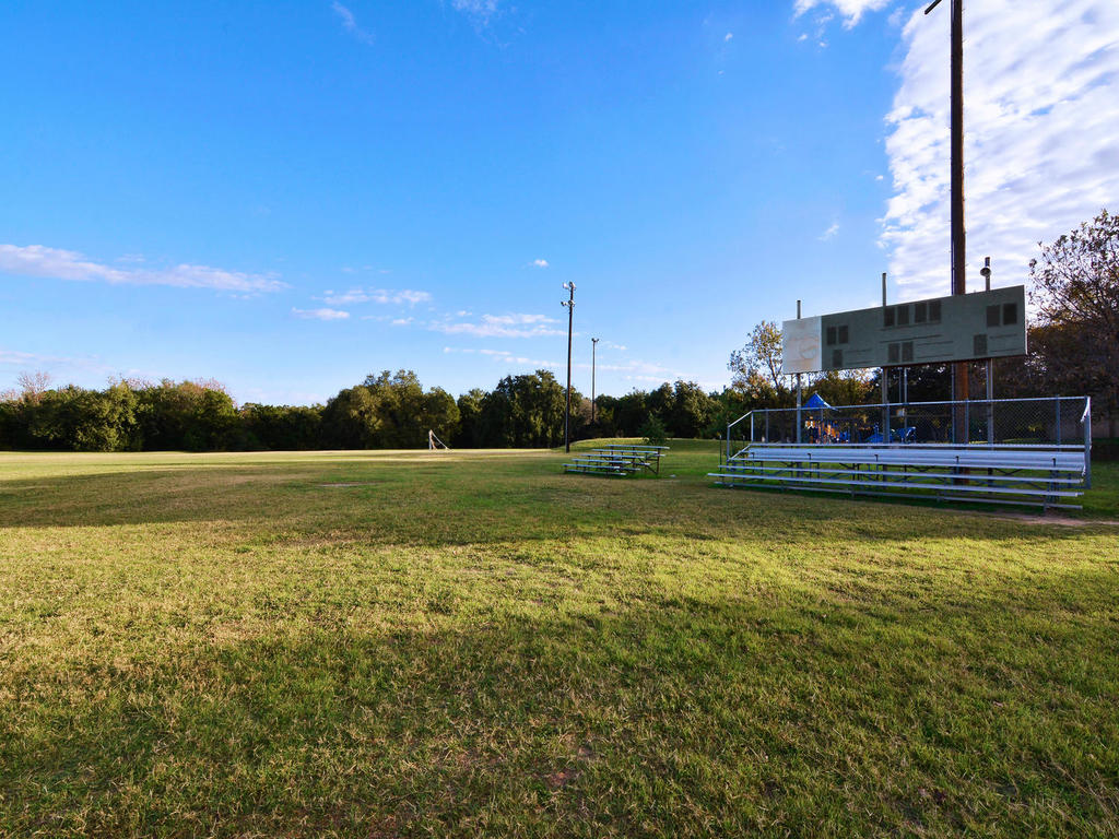 1 Main St-MLS_Size-027-9-South Austin Recreation Center-1024x768-72dpi.jpg
