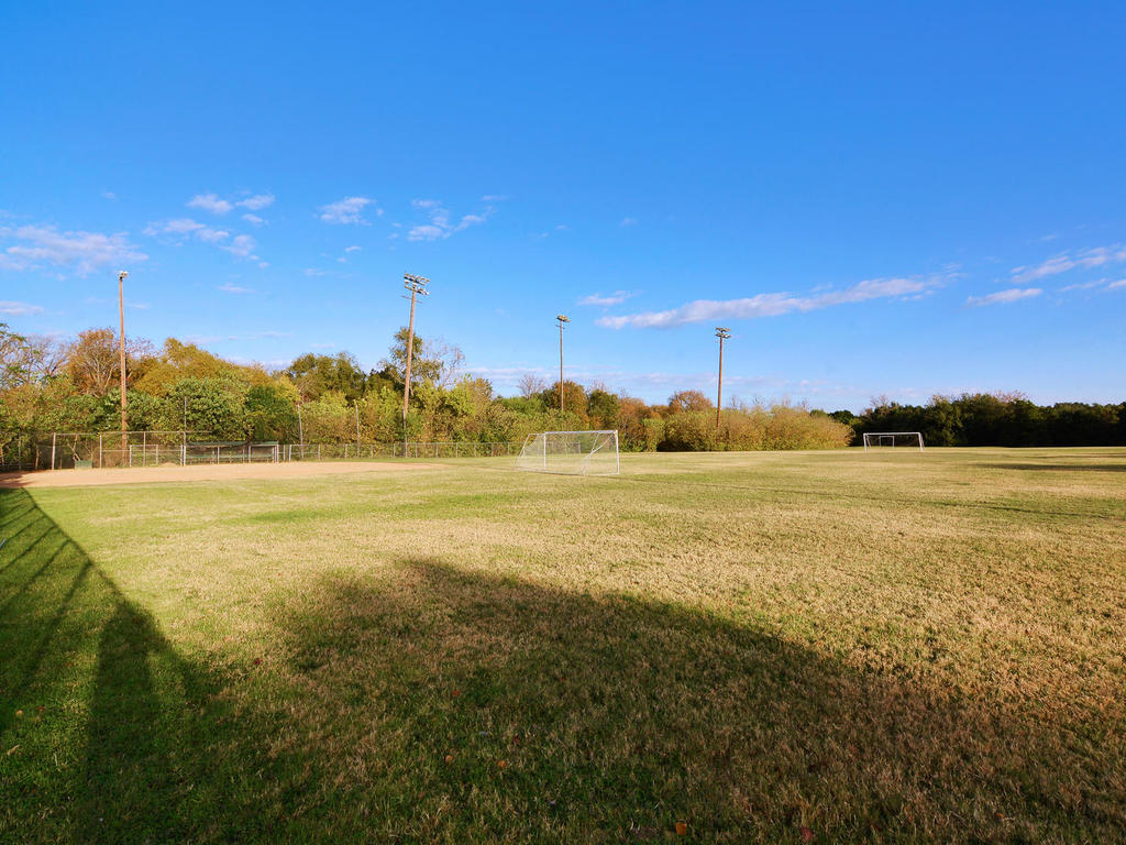 1 Main St-MLS_Size-028-20-South Austin Recreation Center-1024x768-72dpi.jpg