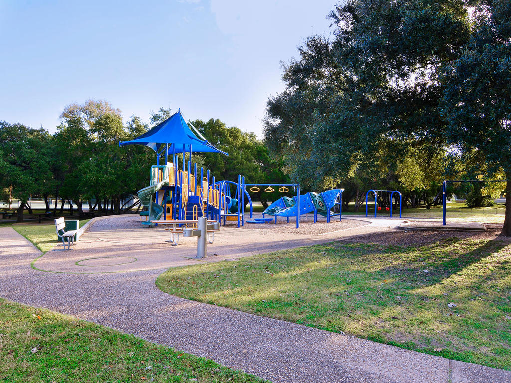 1 Main St-MLS_Size-030-45-South Austin Recreation Center-1024x768-72dpi.jpg