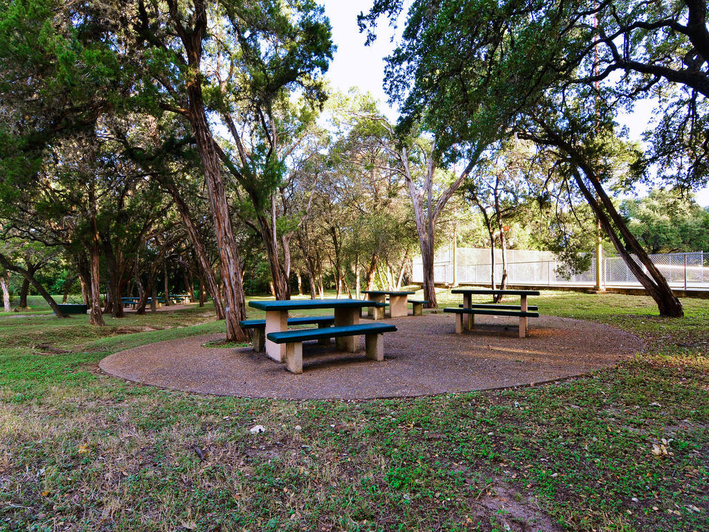 1 Main St-MLS_Size-037-42-South Austin Recreation Center-1024x768-72dpi.jpg