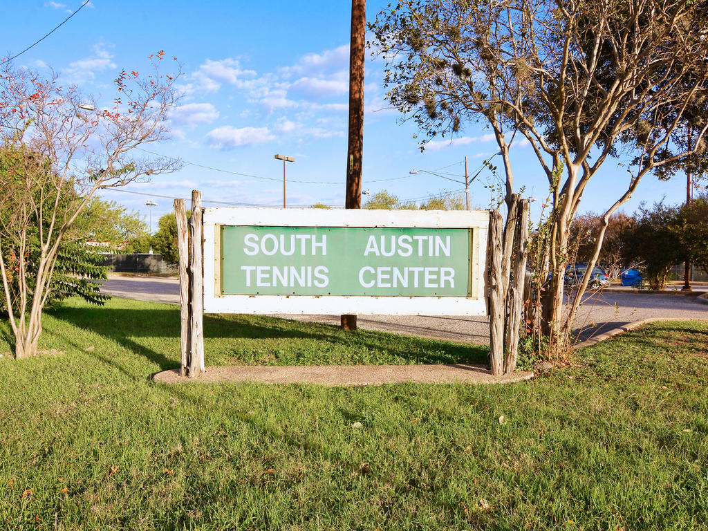 1 Main St-MLS_Size-039-41-South Austin Tennis Center 018-1024x768-72dpi.jpg