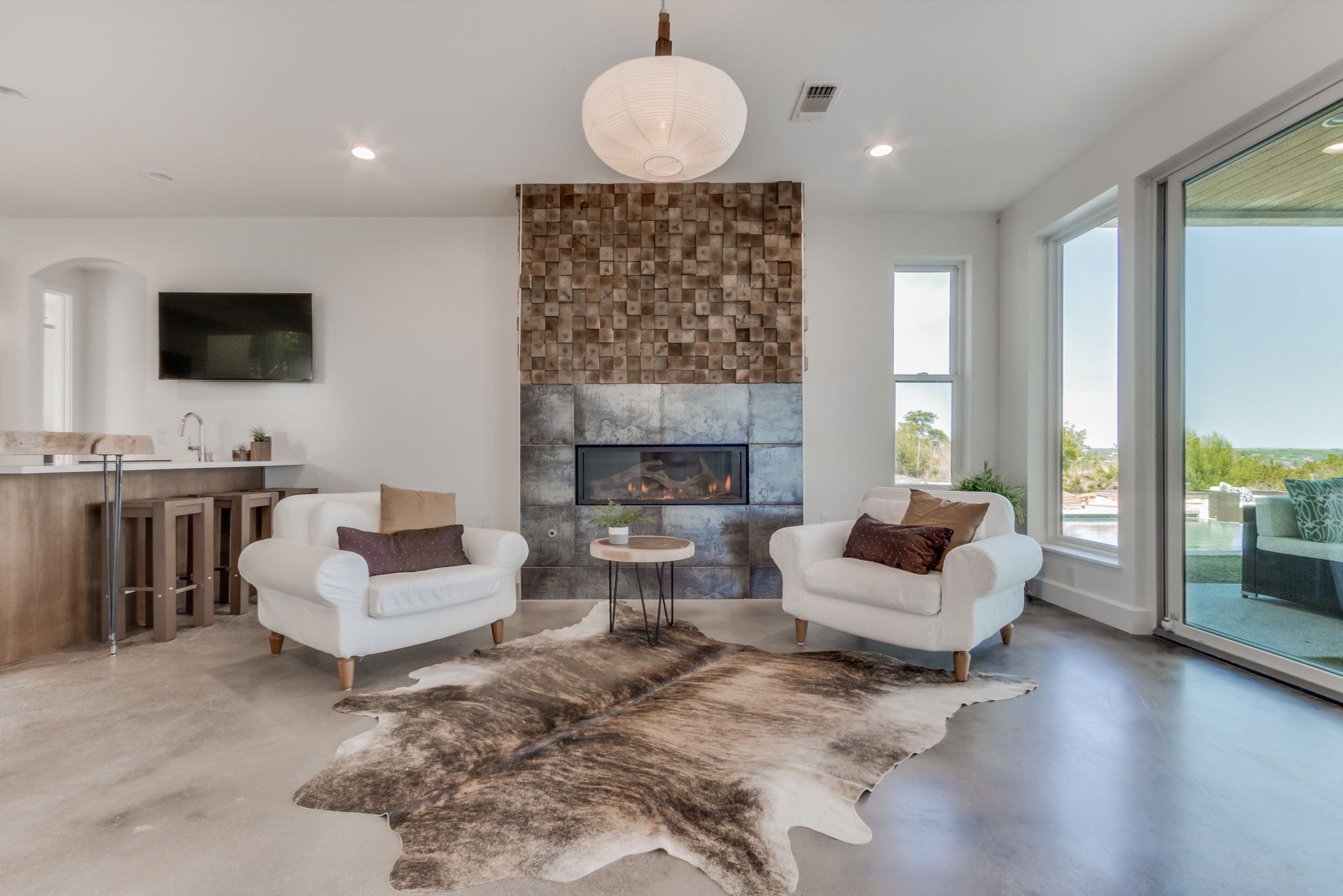 first floor living room 2.jpg