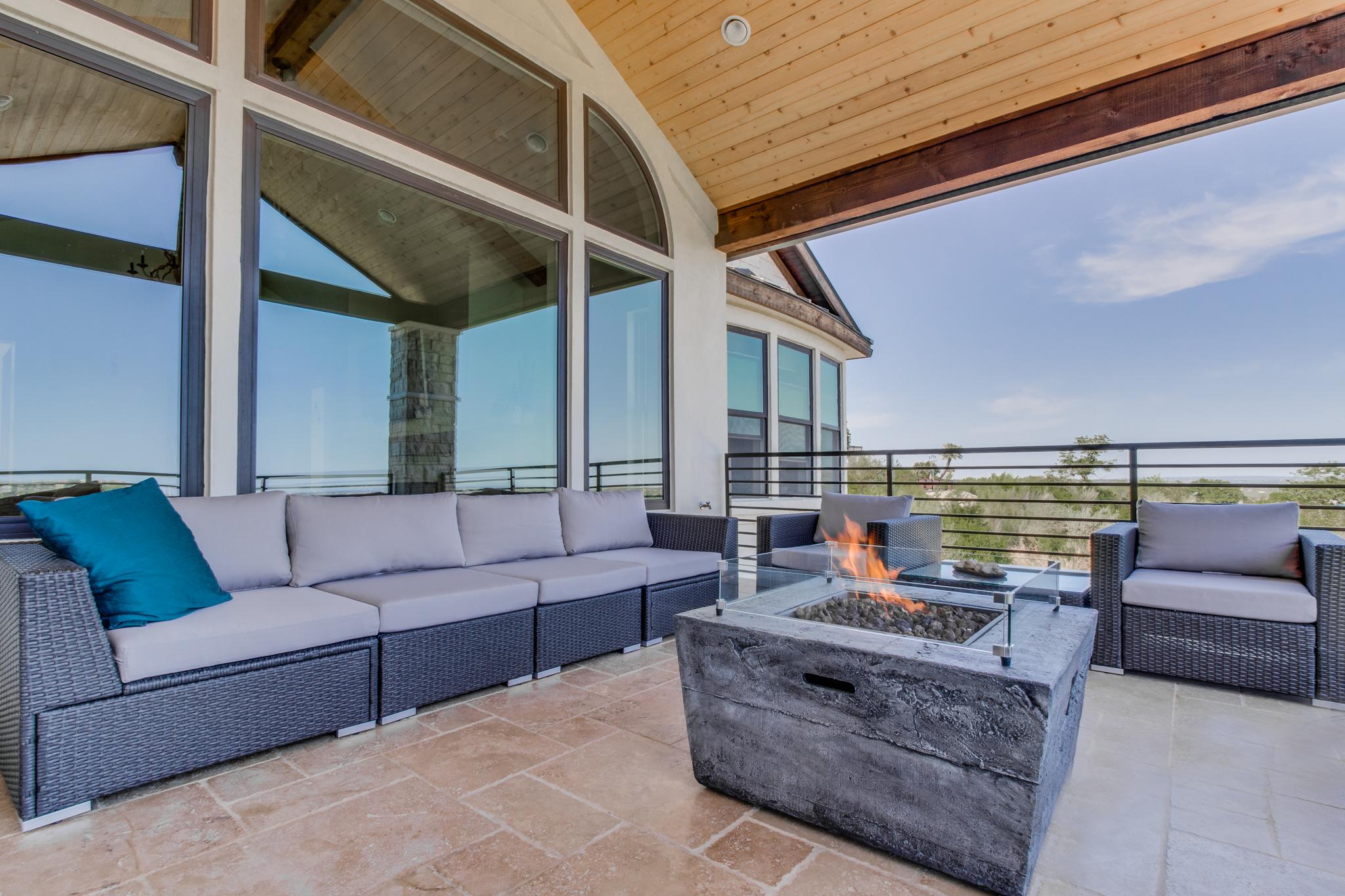 second floor patio 2.jpg