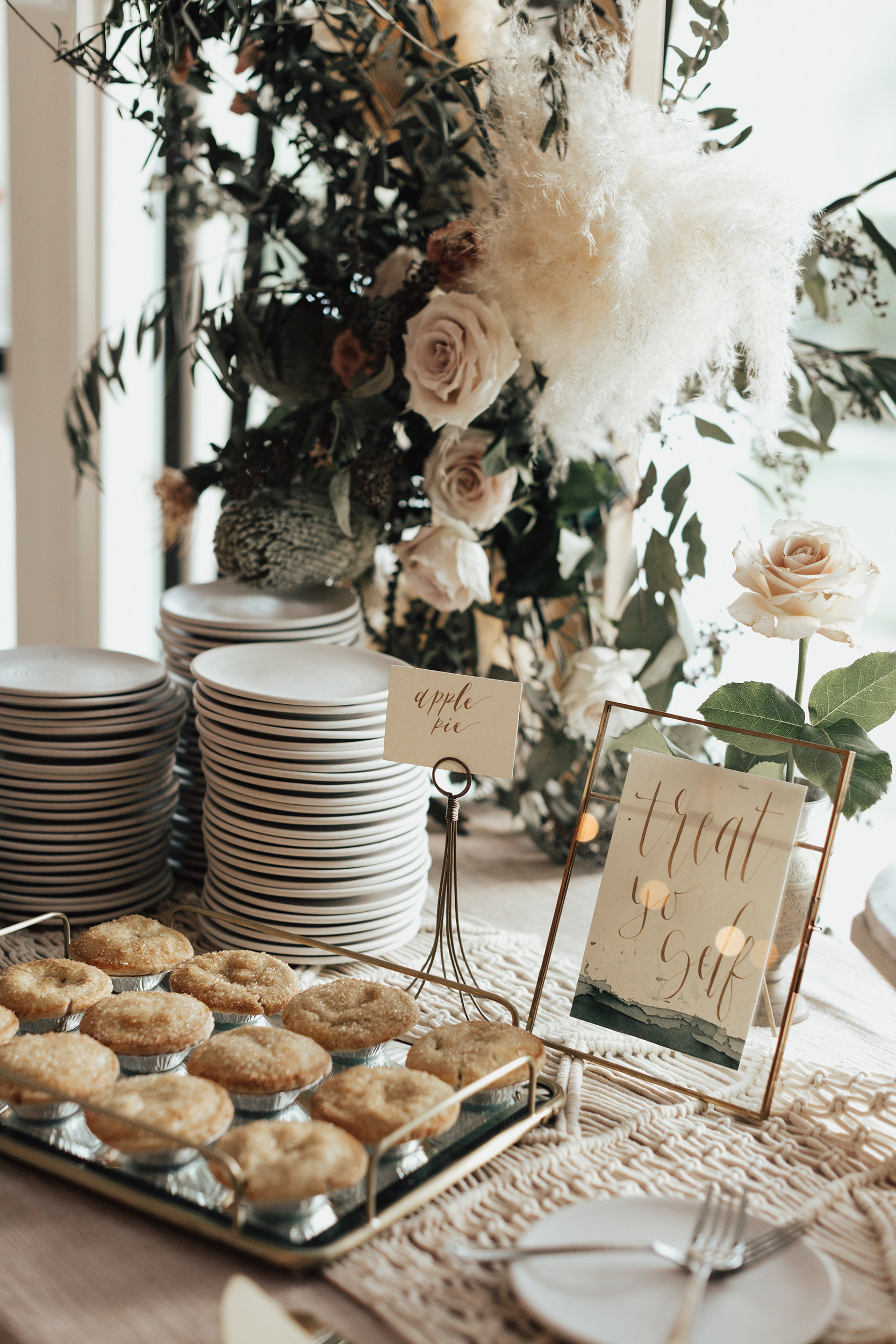 toby+brenna   JUNE 2018  Watercolor place cards and table signage.  CALLIGRAPHY: SAMI SHIROMA  PHOTOGRAPHER:  BROGEN JESSUP   VENUE:  ACE HOTEL & SWIM CLUB