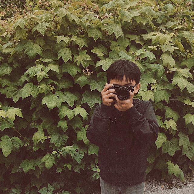 Coolest kid I've ever known. 10/10 could probably out-shoot me any day. 📸😂 . . . #visualoflife #vancouver_canada #curiocityvancouver #childhoodunplugged #dearphotographer #enjoythelittlethings #flashesofdelight #livethelittlethings #lovelysquares #mybeautifulmess #nothingisordinary #creativelysquared #dailydoseofcolor #photosinbetween