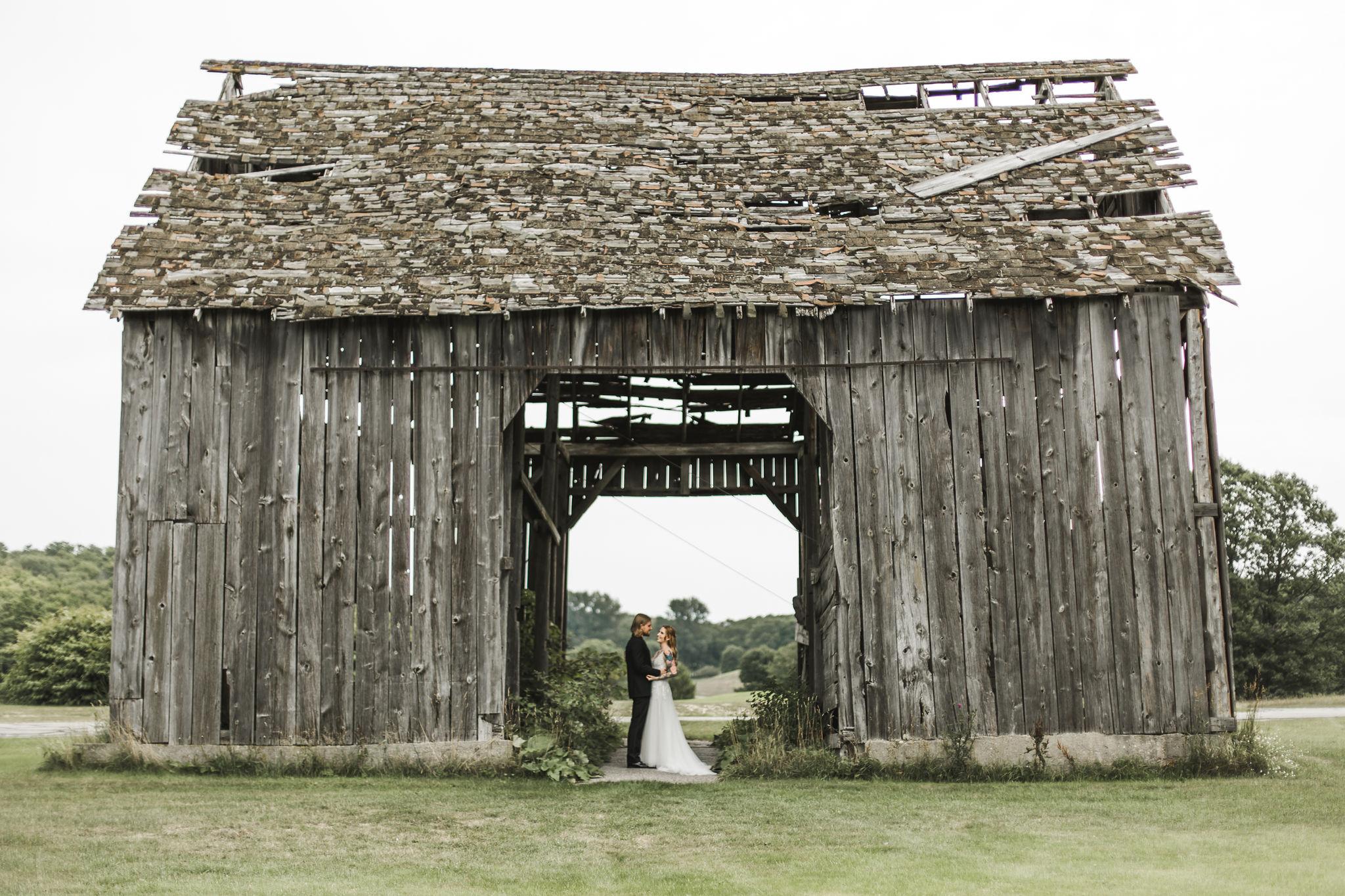 first look barn wedding