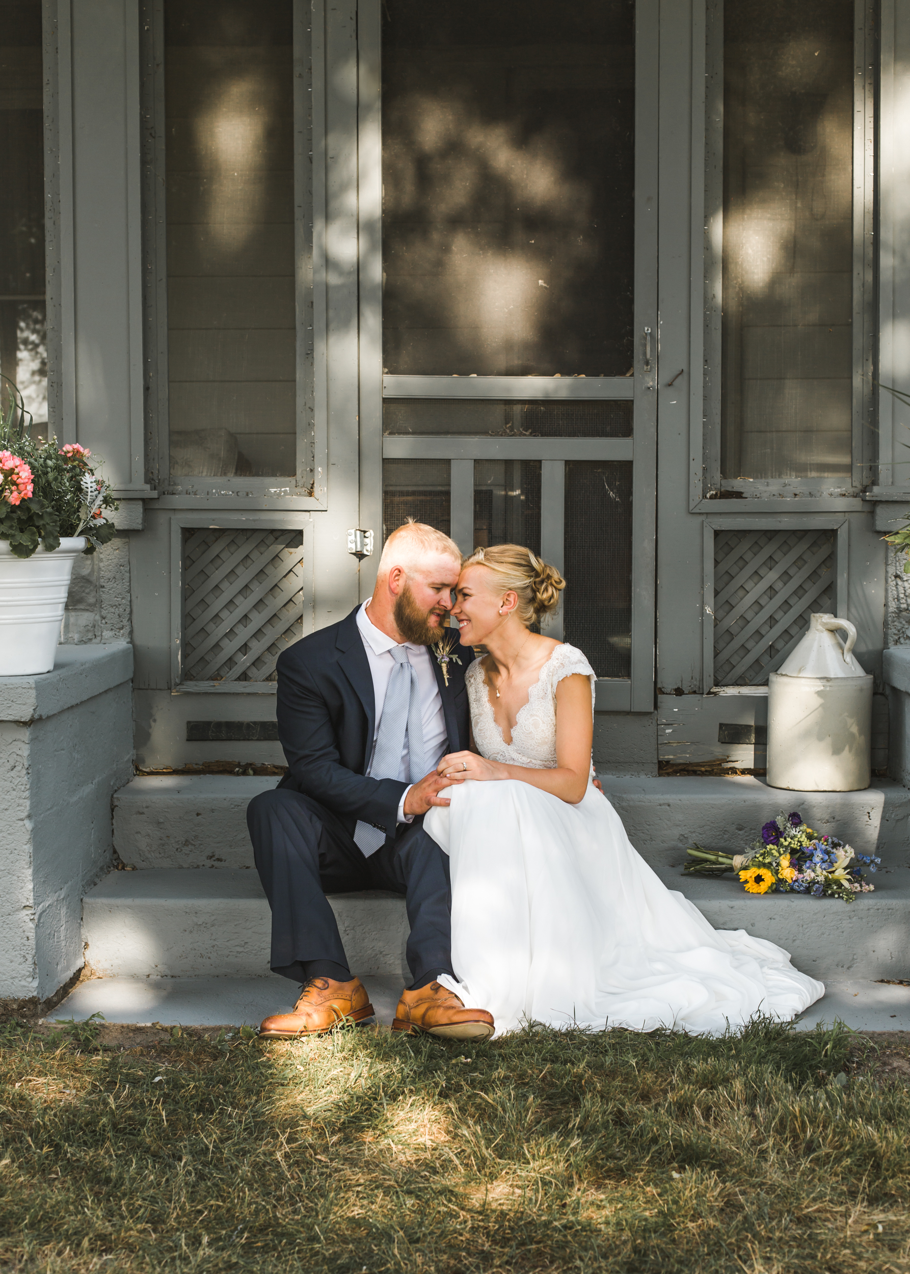 Powder blue wedding, Blue and gold wedding, Backyard Michigan Wedding, Michigan Wedding, Southeast Michigan Wedding, Michigan Wedding Photographer, Rustic Wedding, Simple Wedding