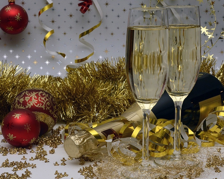 champagne-anniversary-bottle.jpg