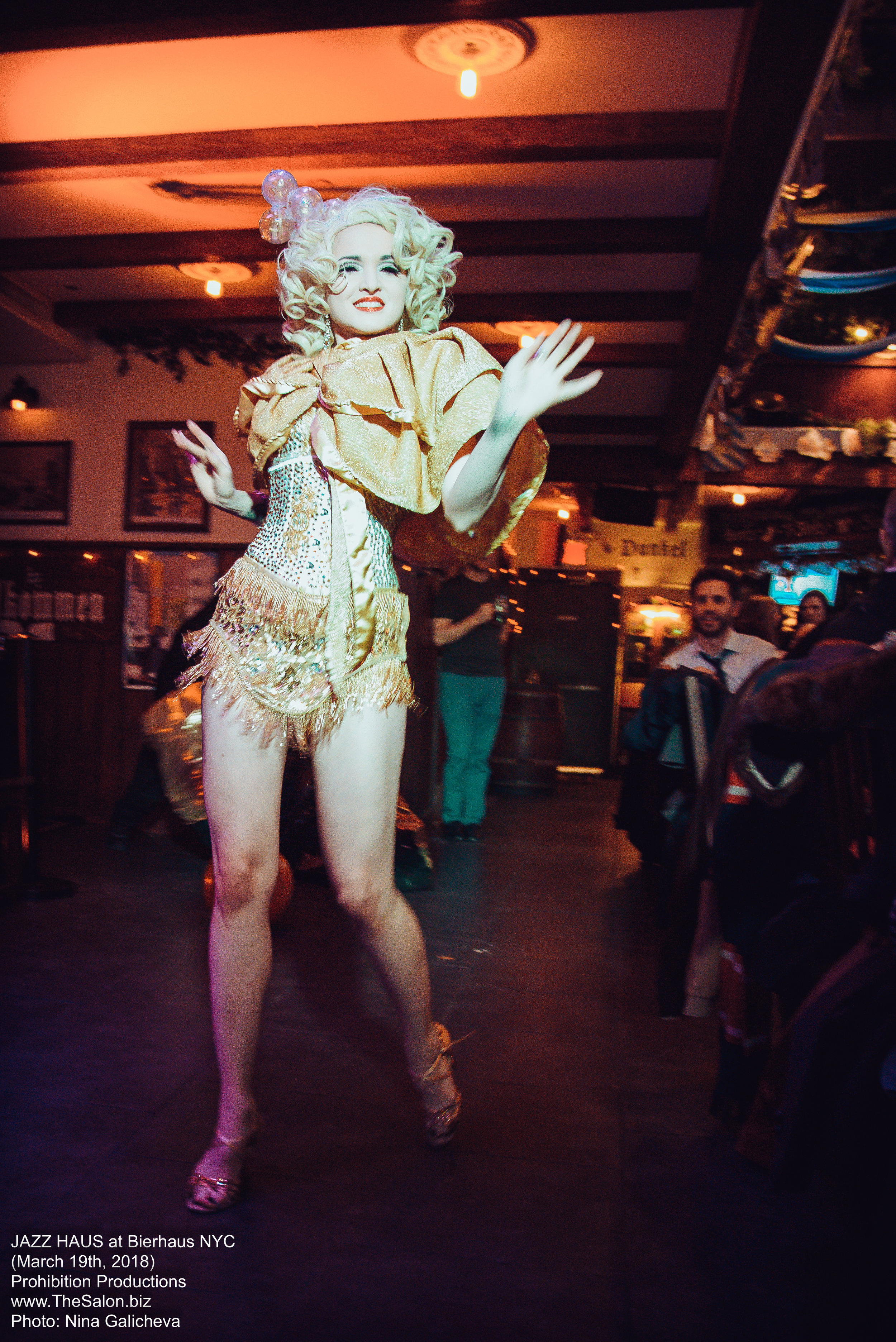 30_JAZZ-HAUS__burlesque__DSC_0468_NG_photocredit-Nina-Galicheva.jpg