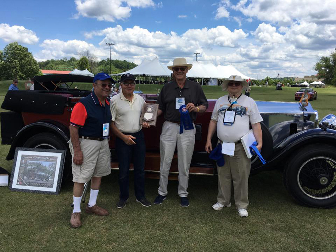 Spirit Region member Wendell Smith accepting awards for 1st Place in Division and Best Personal Restoration at the 2017 RROC National Meet at French Lick Resort in Indiana.