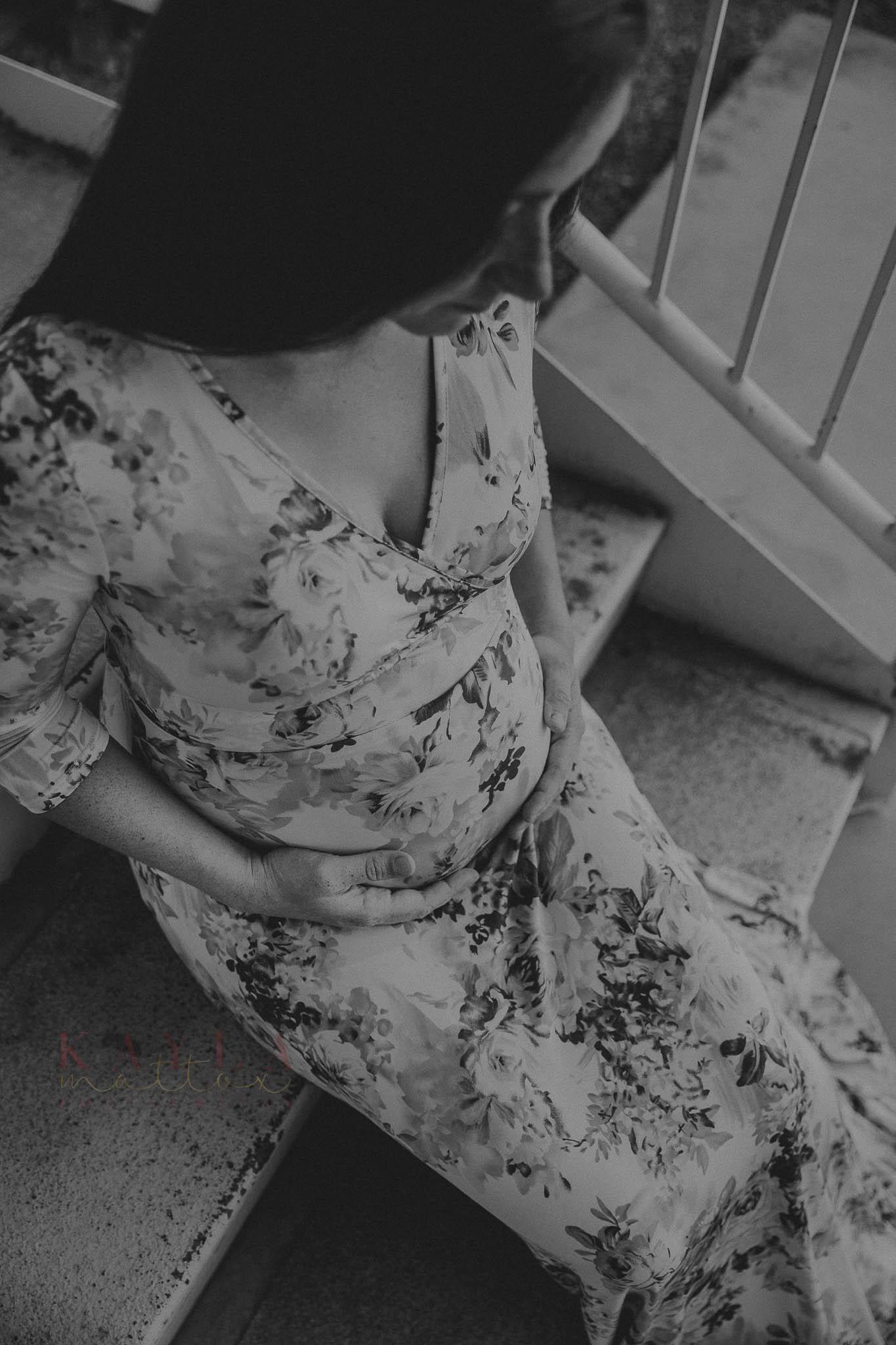 Black and White Maternity Picture Yuma AZ