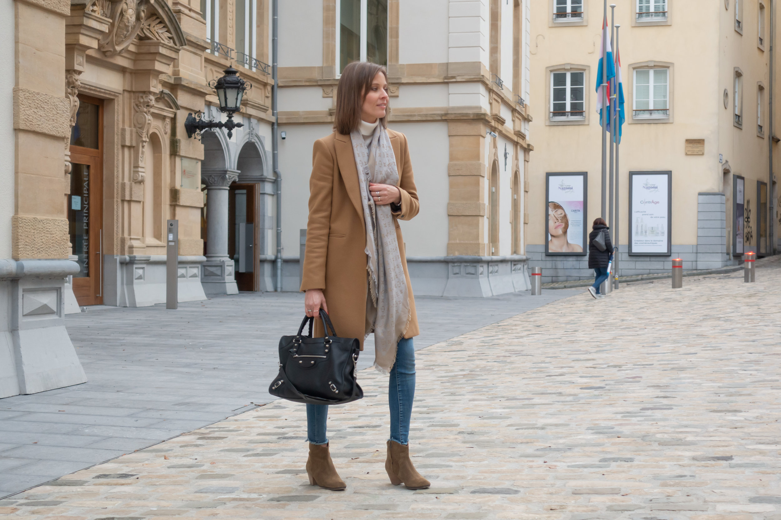 Anne Lux 2.jpg