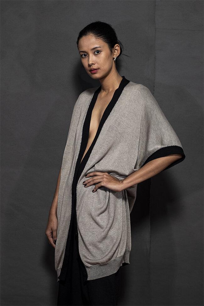 20-01 sleeveless kimono cardigan 650.jpg