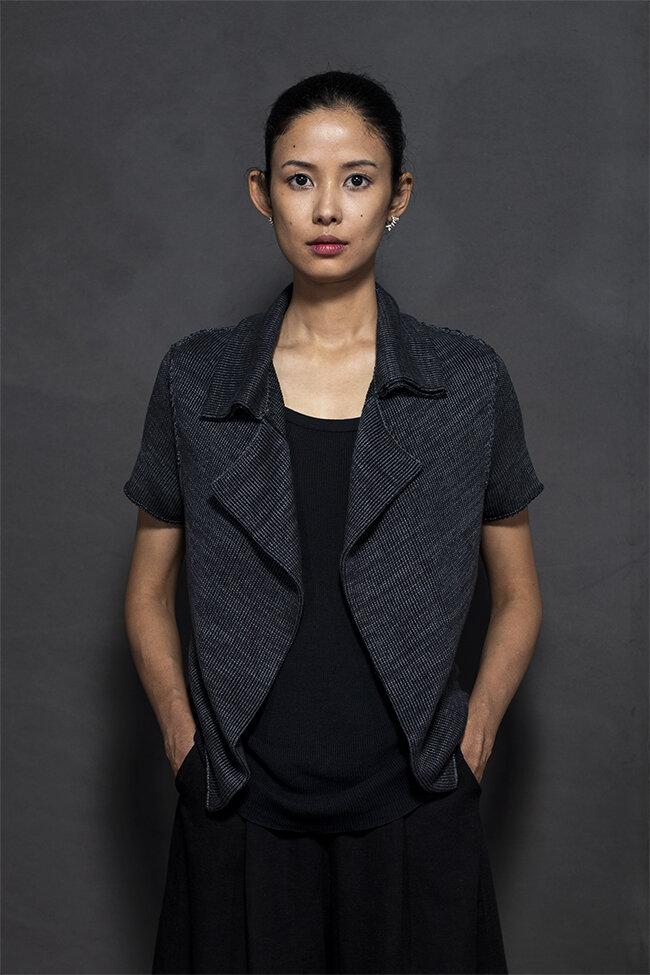 20-26 notch collar vest 650.jpg