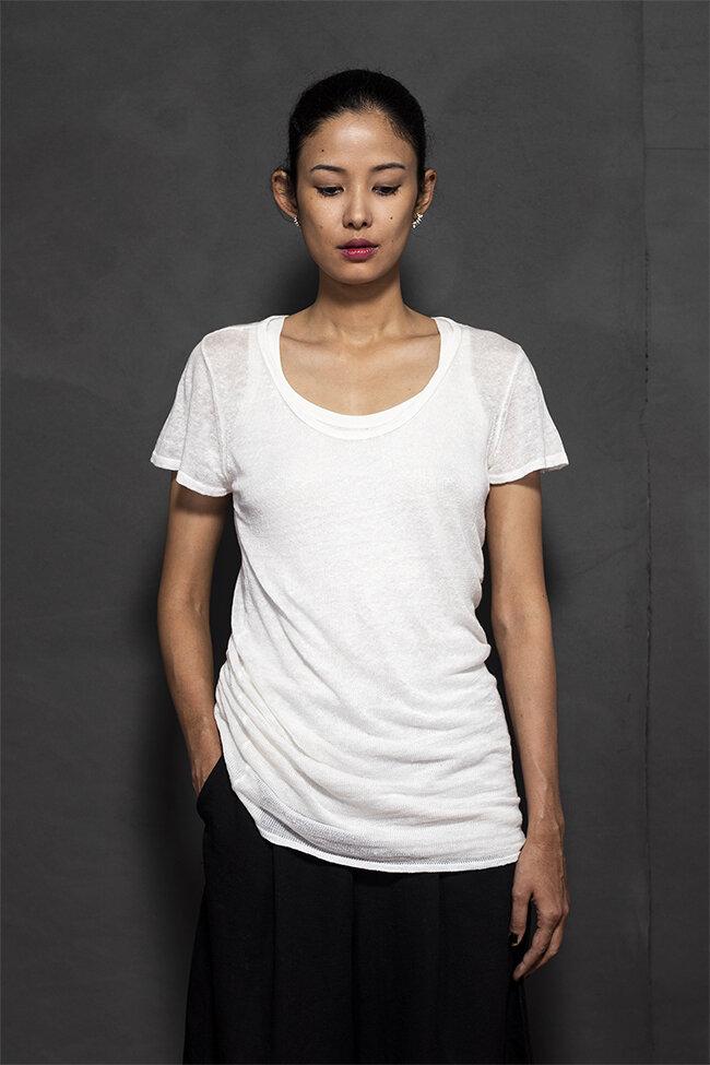 20-05 scoop neck t shirt 650.jpg