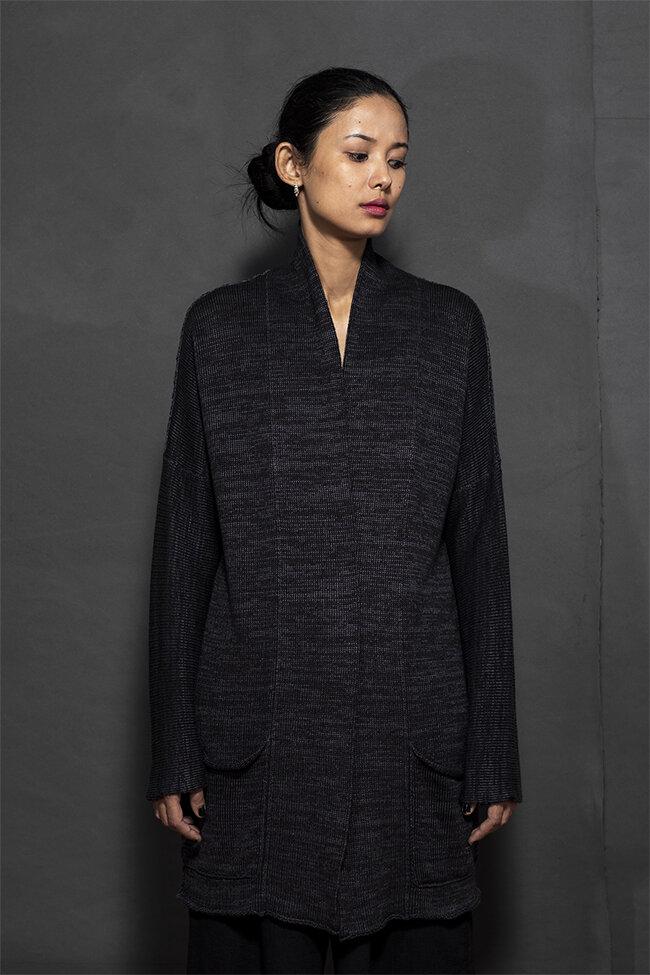 20-13 kimono style jacket knit weaving 650.jpg