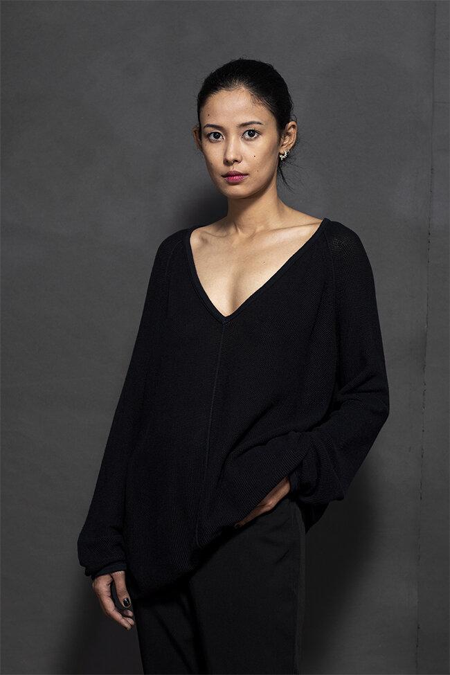 20-16 v neck bf sweater 650.jpg