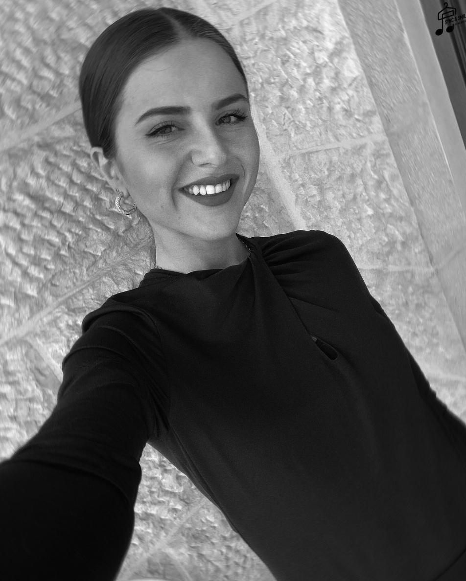 Reina Khoury  Artist and influencer