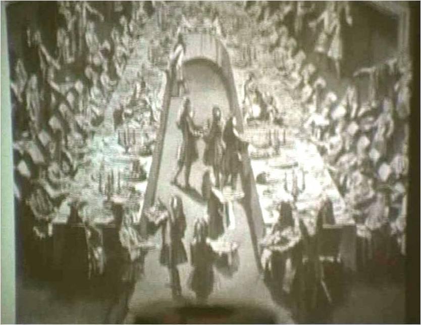 3. La riproduzione di un banchetto del XVIII secolo (diapositiva).jpg