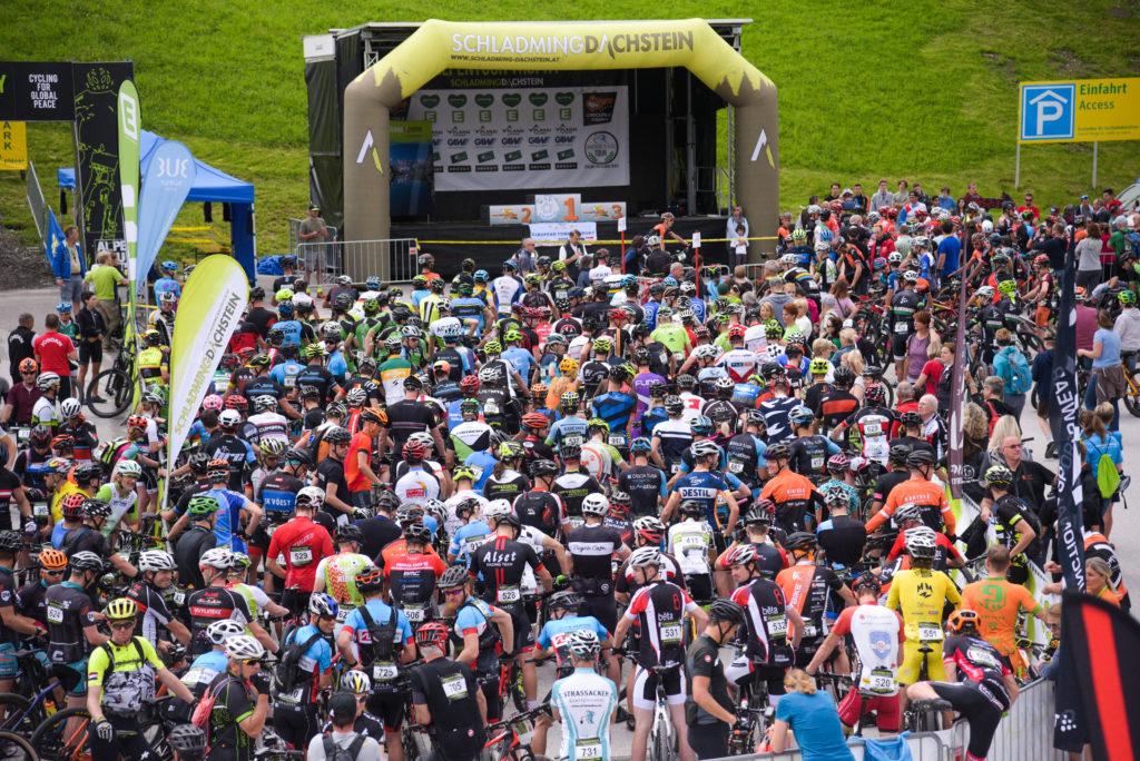 Vor dem Start (Foto: Sportograf)