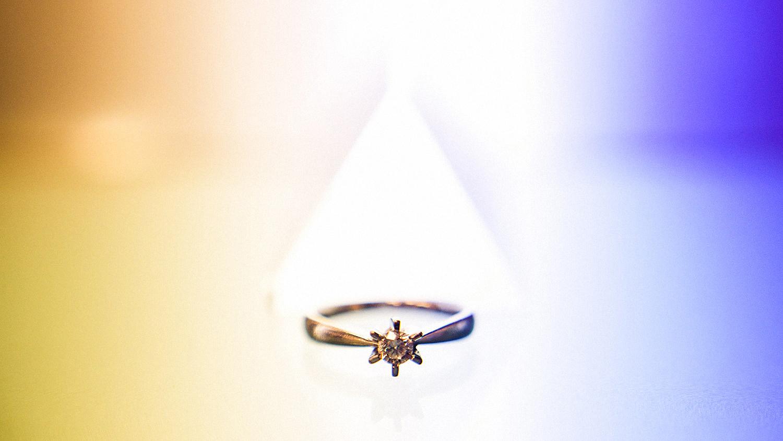 Eirik Halvorsen Blikkfangerne Hvorfor har nordmenn gifteringen på høyre hånd-1.jpg