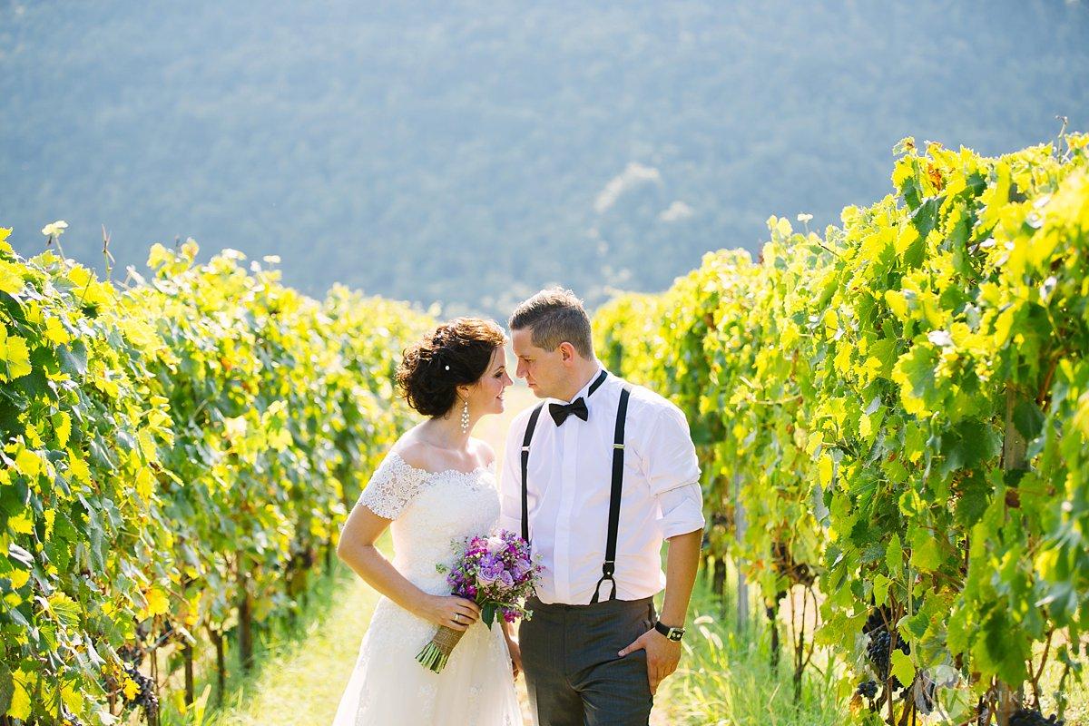 Elin og Didrik giftet seg i Italia. Dette er fra et mer tradisjonelt bryllup med gjester, men litt utenlands-inspo hvis dere vil elope til Italia. Foto:  Jan Ivar Vik . Trykk på bildet for å se flere bilder.