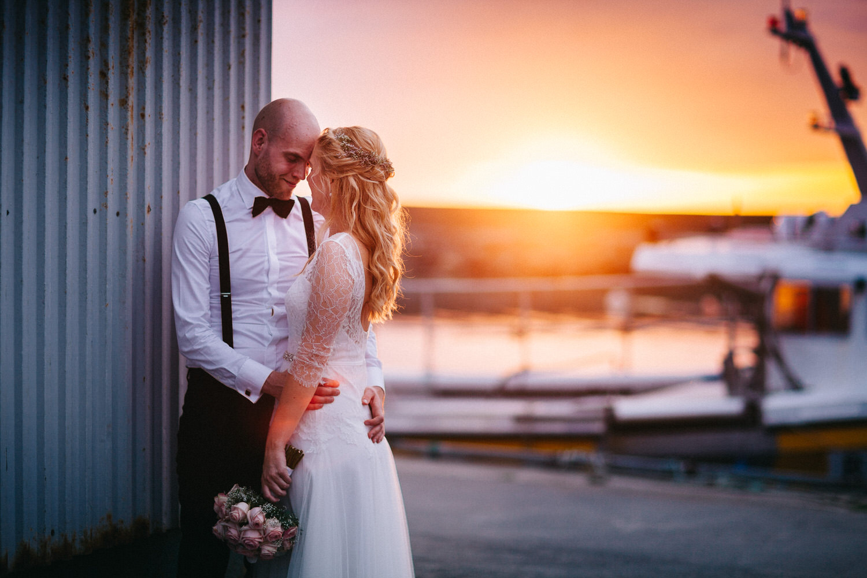 brudepar-solnedgang