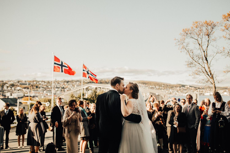Bryllup_bryllupsfotograf_tromsø_bryllupsbilder125.jpg