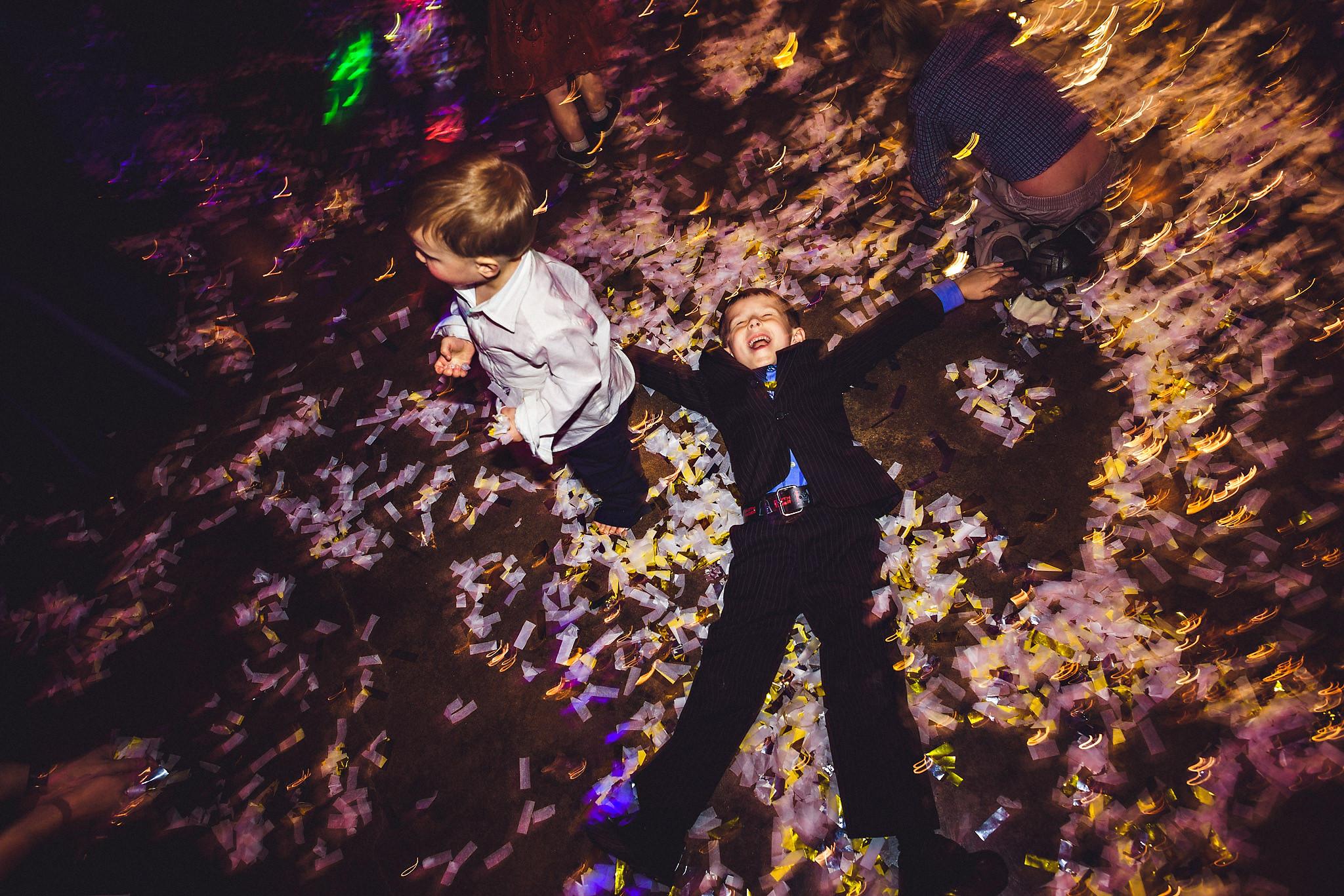 Å ha med barna på dansegulvet kan resultere i mye moro! Foto:  Eirik Halvorsen
